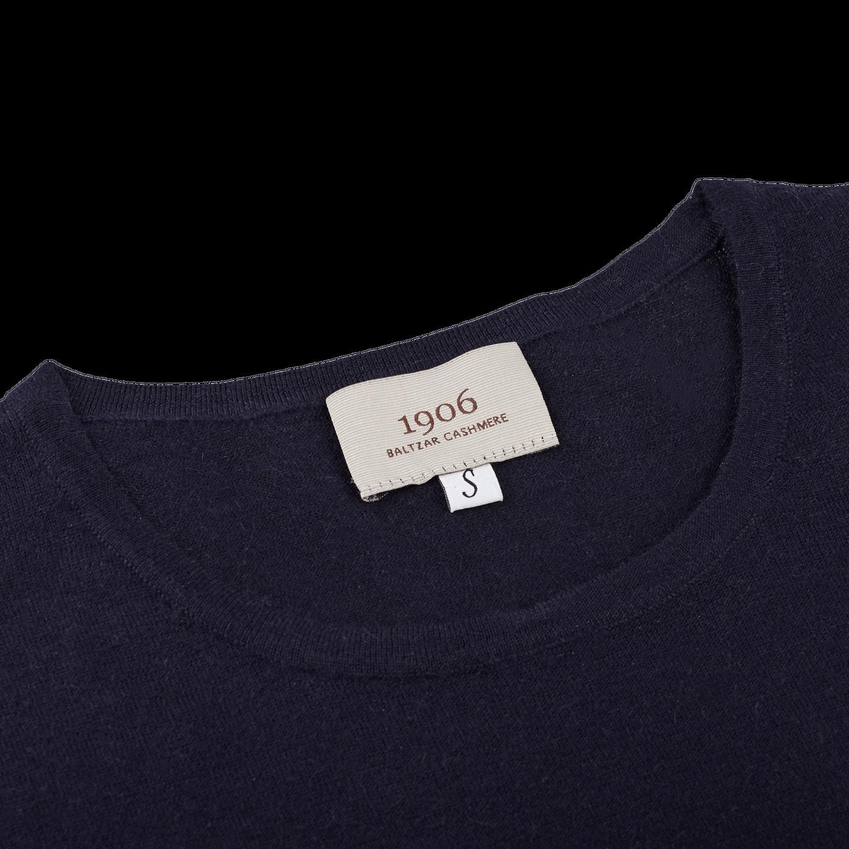 1906 Baltzar Navy Crew Neck T-shirt Collar