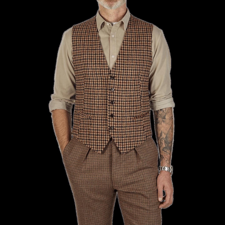 Tagliatore Beige Harris Tweed Houndstooth Waistcoat Front