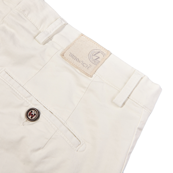 Berwich Berwich Off White Bermuda Cotton Shorts Pocket